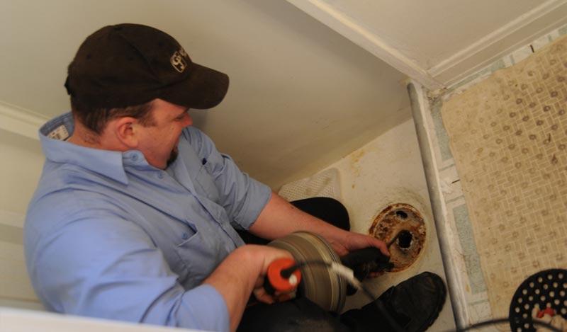 Pourquoi choisir un artisan plombier quand on habite dans le 11ème de Paris?
