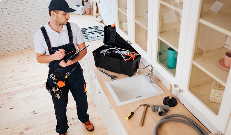 Comment faire venir un plombier chez soi sans risque d'attraper le Covid-19 sur Paris ?